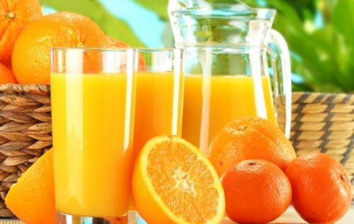 Portakal suyu popüler içecekler arasındadır