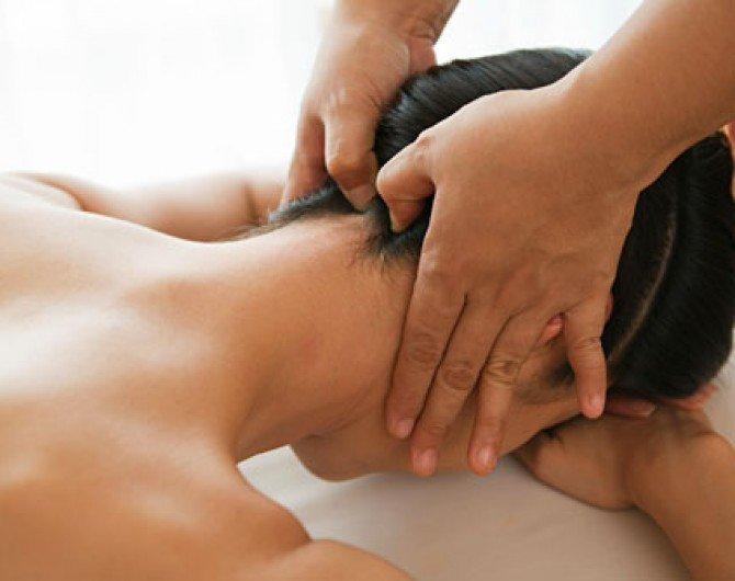 Boyun fıtığı masajı