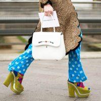 Опасный прием: как носить босоножки с носками